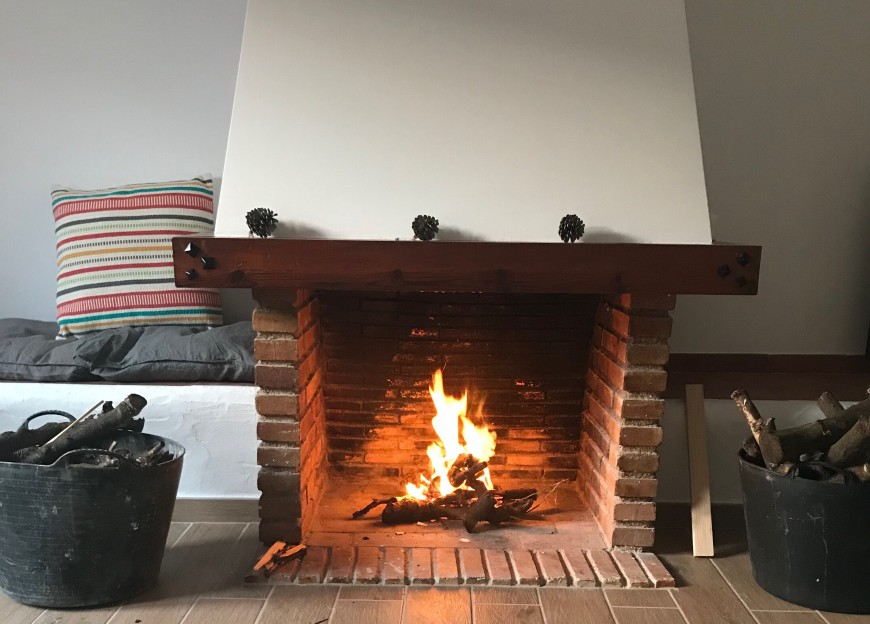 casa18-costablanca-fireplace-kamin
